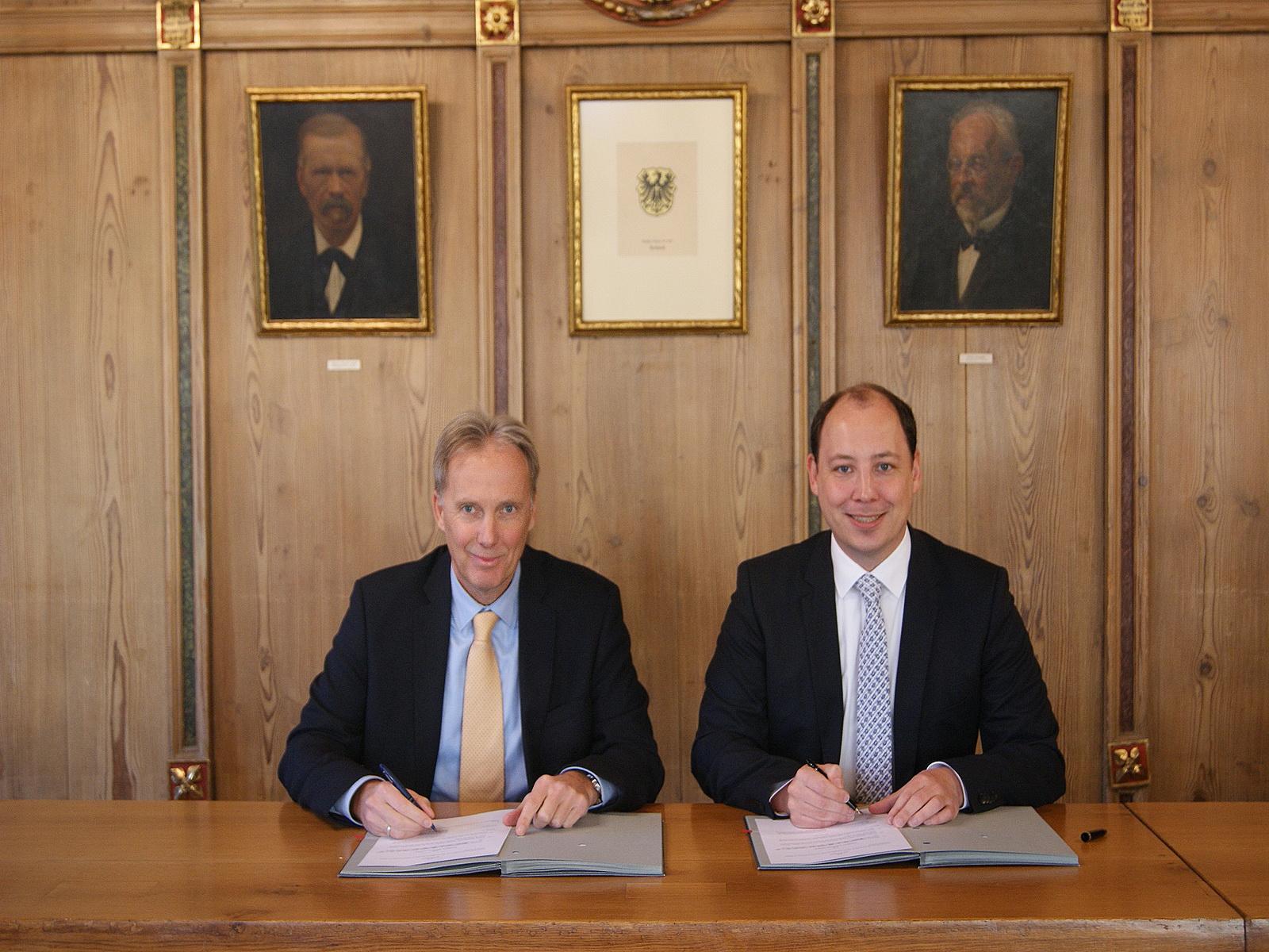 Konzessionsvertrag Ranzinger + Ruf unterzeichnen