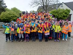 Grundschüler aus Denkingen engagierten sich bei der ENRW-Dorfputzete.