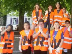 Schüler der Konrad-Witz-Schule beteiligten sich an der ENRW-Dorfputzete 2019.